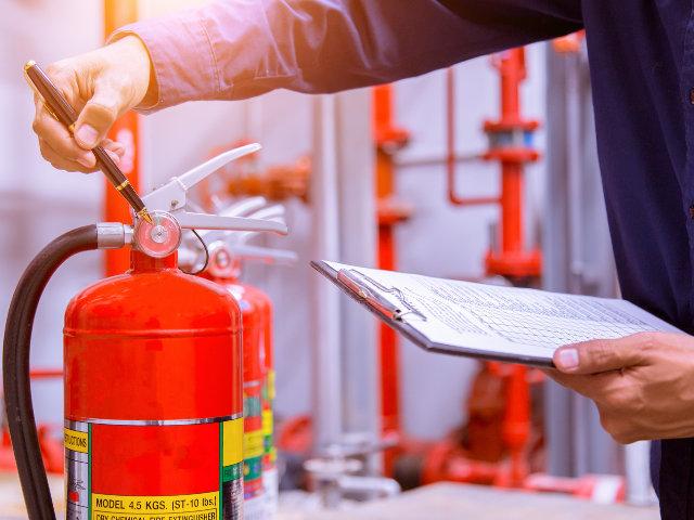 Nuevos requisitos y exigencias para instaladores y mantenedores de equipos de protección contra incendios
